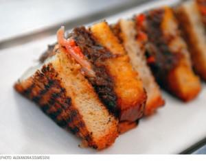 resto_pulled pork sandwiches