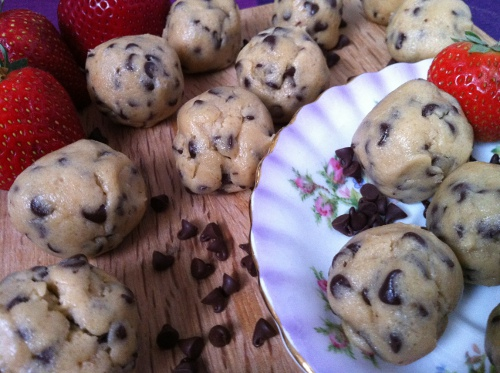 Chocolate Chip Cookie Dough Truffles - Confessions of a Chocoholic