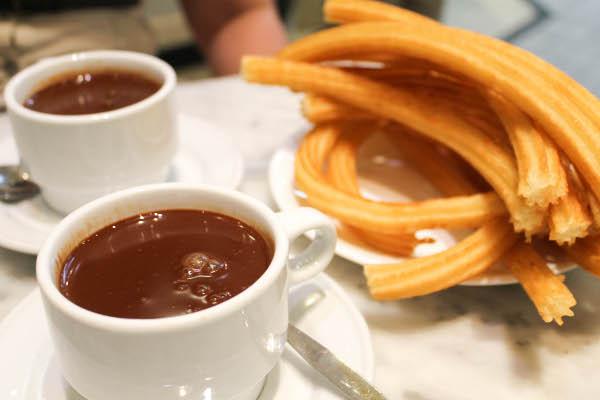 ARRIBA YA PASARON LAS BURRAS DE LECHE Chocolate-con-churros-san-gines