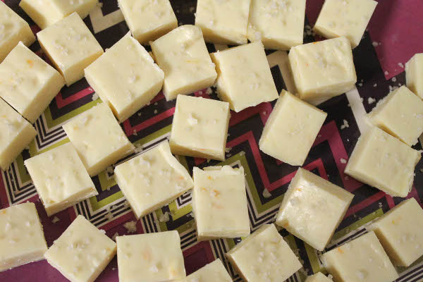 Easy White Chocolate Fudge Confessions Of A Chocoholic