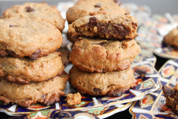 Peanut Butter Chocolate Chip Rice Crispy Cookies - Confessions of a ...