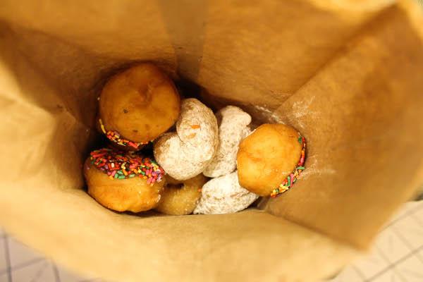 mini donuts pike place