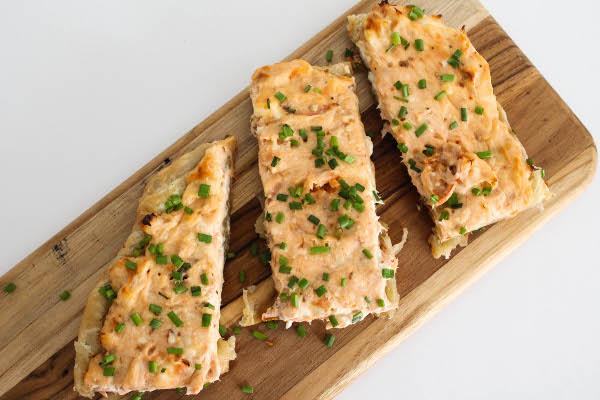 hot smoked salmon pizza