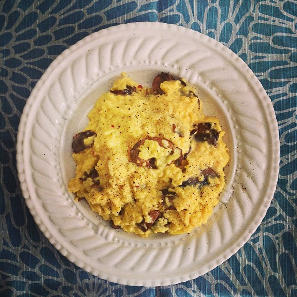 scrambled eggs with goat cheese and mushrooms