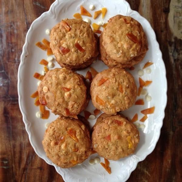 oatmeal mango white chocolate cookies