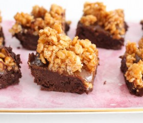 salted caramel crunnch brownies