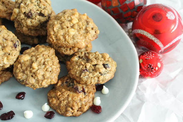 cranberry white chocolate oatmeal cookie