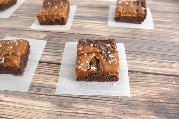 dulce de leche brownies with sea salt