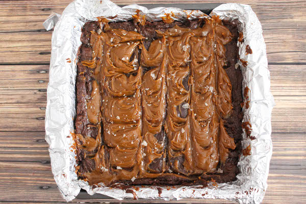 salted dulce de leche brownies pan