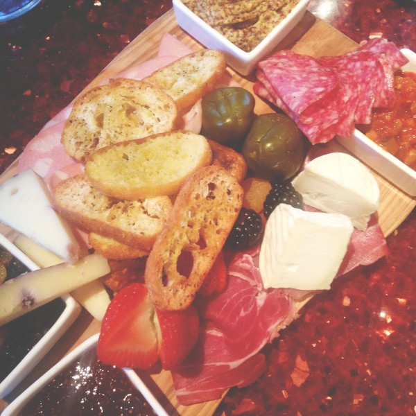 meat and cheese plate aragosta