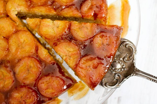 Banana Caramel Upside Down Cake - Confessions of a Chocoholic