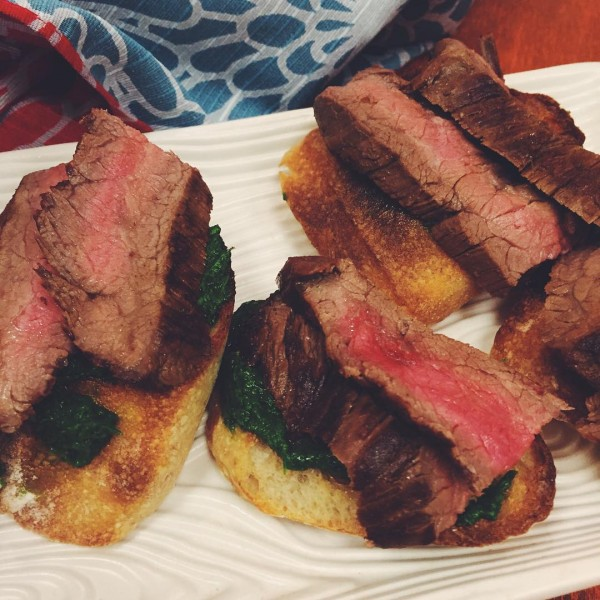 chimichurri steak crostini