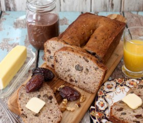 banana bread with dates and walnuts