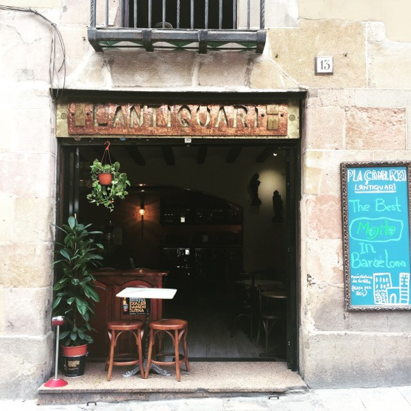 gotic quarter barcelona cafe