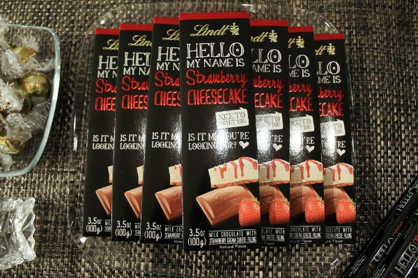 lindt hello bars strawberry cheesecake
