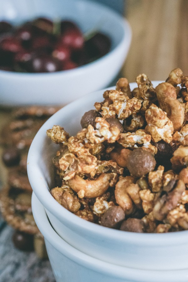 dulce de leche and chocolate popcorn