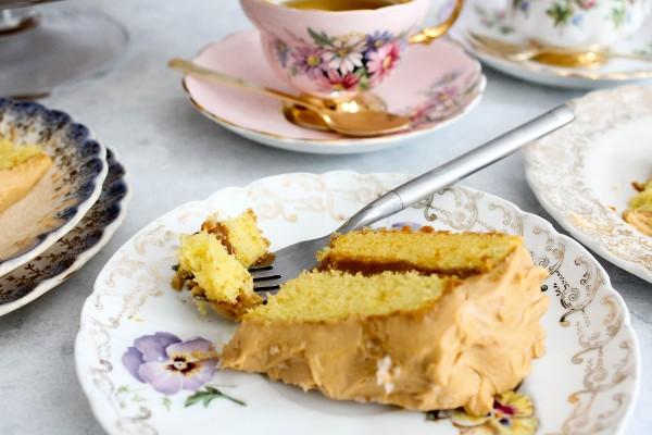 olive oil dulce de leche cake