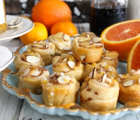 mini almond cinnamon rolls