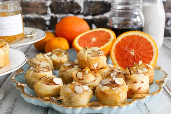 orange almond cinnamon rolls