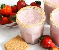 strawberry cheesecake smoothies