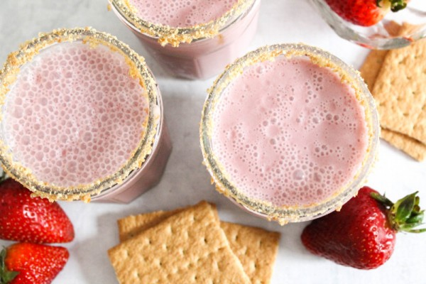 strawberry cottage cheese smoothie