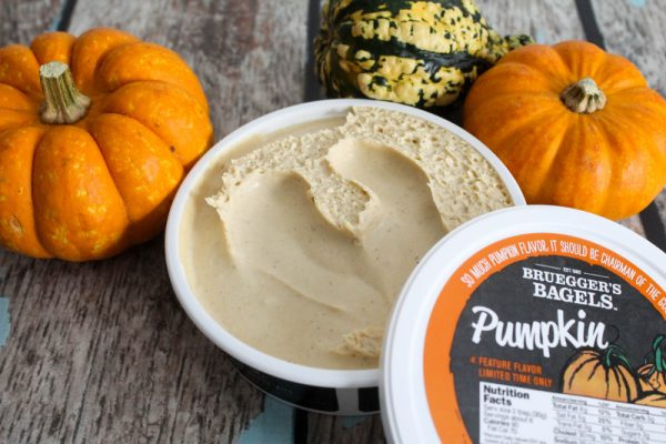 brueggers-pumpkin-cream-cheese