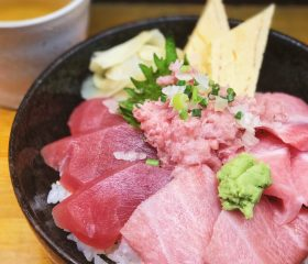 tuna bowl tsukiji