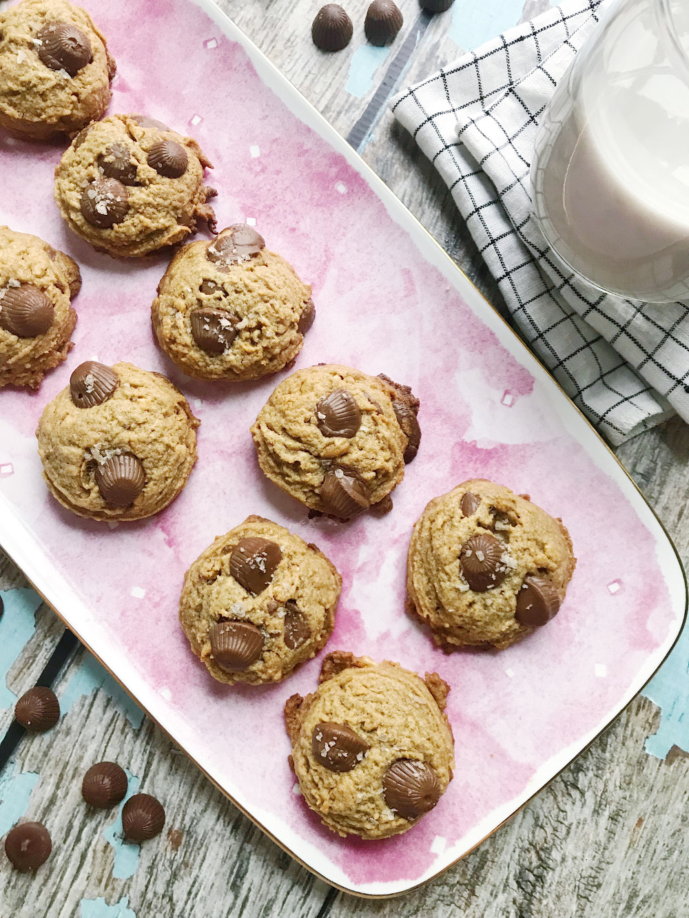 Mini Peanut Butter Cup Cookies - Confessions of a Chocoholic